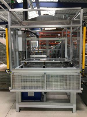 Maschine zur Beflammung zur Vorbereitung der Oberflächen für bessere Haftung des Druckbildes